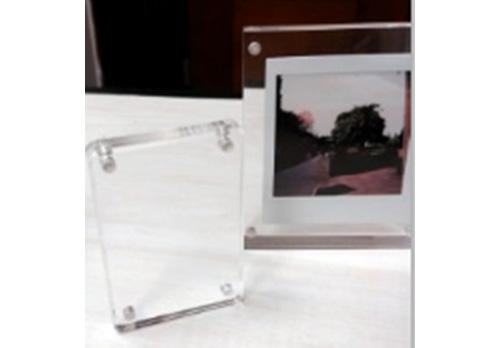 מסגרת אקריליק לתמונת אינסטקס מיני מרובעת